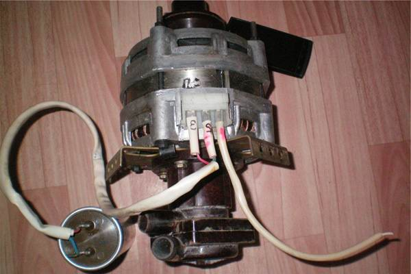 Электродвигатель с конденсатором