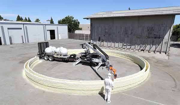Пенообразующий робот строитель