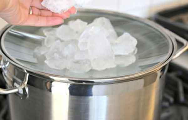 Лёд на крышке нужен для охлаждения