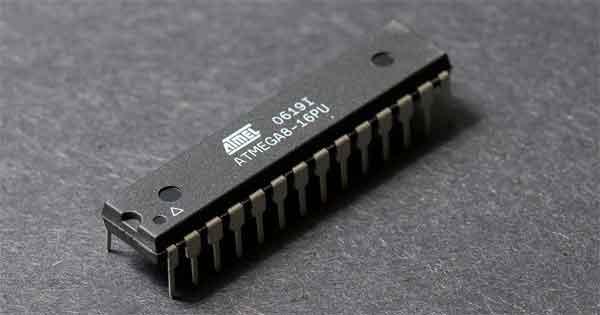 Популярный микроконтроллер atmega8