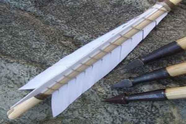 Оперение и наконечники стрел лука