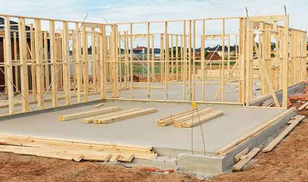 Создание фундамента и каркаса частного дома