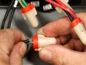 Соединительный изолирующий зажим типа СИЗ для проводов