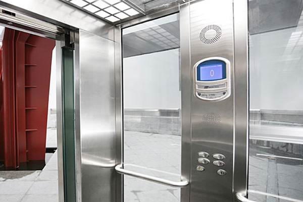 Лифт малый производства ORONA