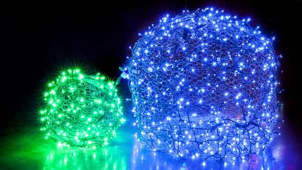 Новогодние световые шары