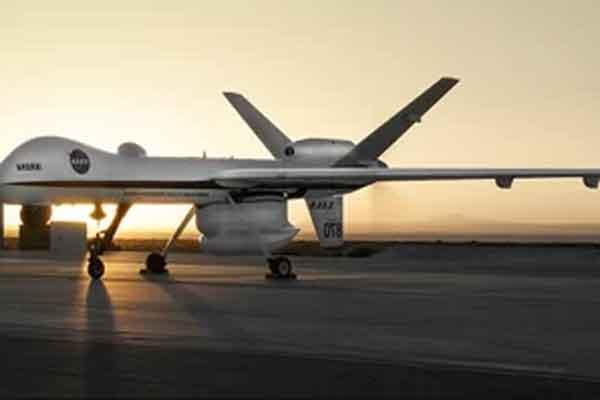 Армейский дрон на взлёте