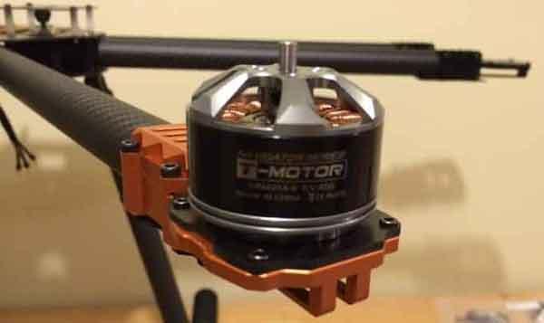 Крепление мотора на раме дрона