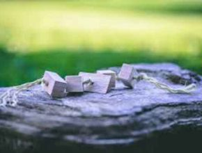 Деревянная губка для очистки воды от масла
