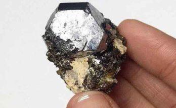 Металлический монокристаллический материал методом конверсии