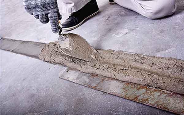 Нанесение цементной смеси