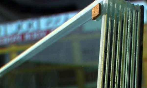 Слоёная структура пуленепробиваемого стекла