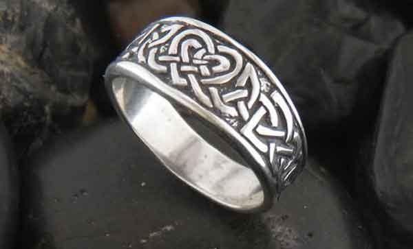 Ювелирные серебряные изделия
