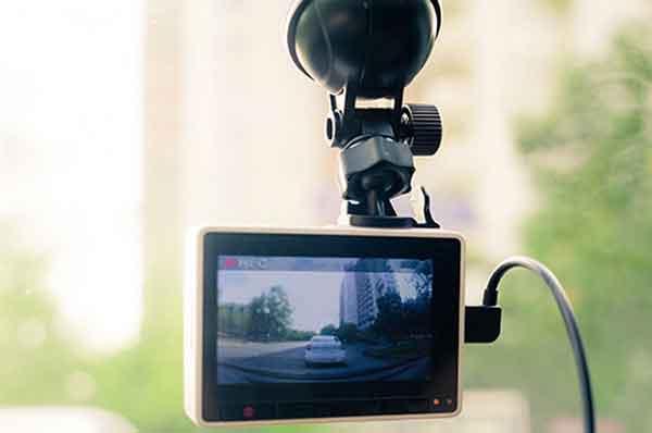 Как установить видеорегистратор в автомобиле