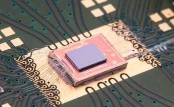 Оптическая система на чипе с внутренним управлением