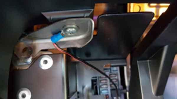 Подключение провода заземления видеорегистратора