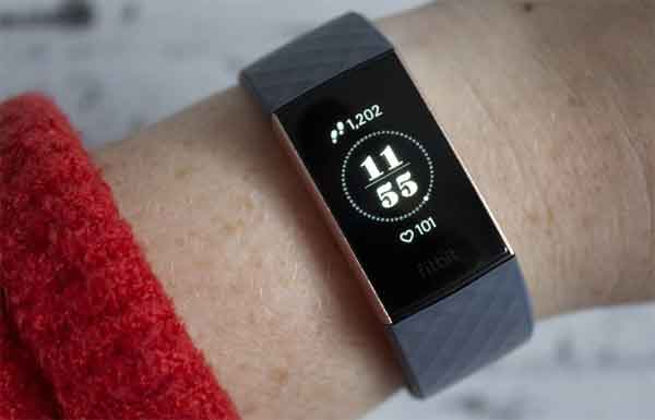 Fitbit Charge 3 как технический подарок