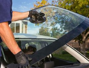 Как сделать ремонт лобового стекла автомобиля своими руками?