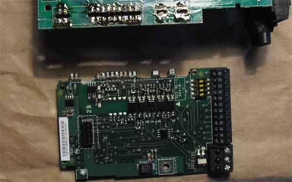 Отпаянная плата панели управления частотного преобразователя VLT