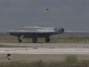 Беспилотный российский боевой дрон «Охотник» оценили специалисты Запада