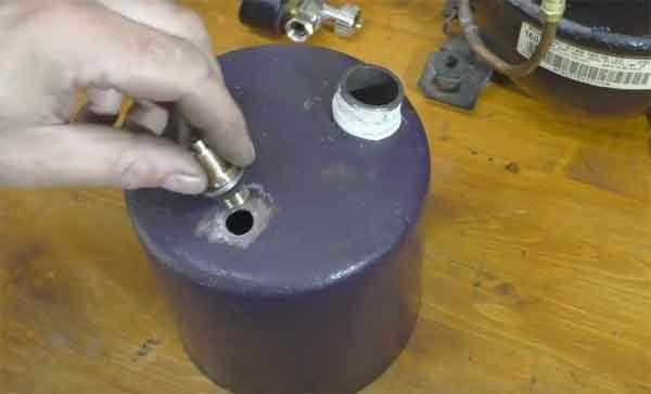 Бензовоздушная горелка: штуцер под манометр
