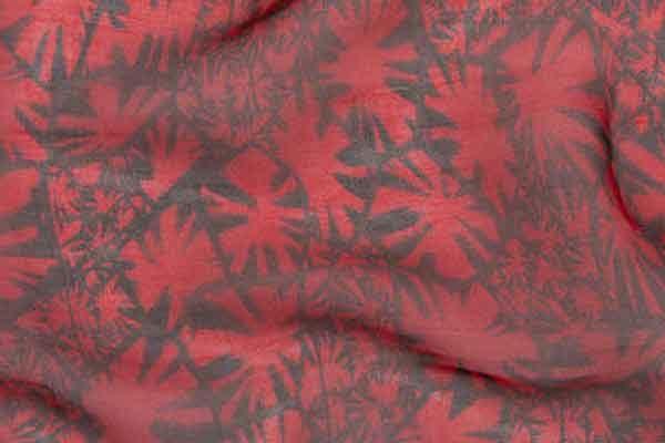 Учёные сделали шёлковый материал под детализированные узоры