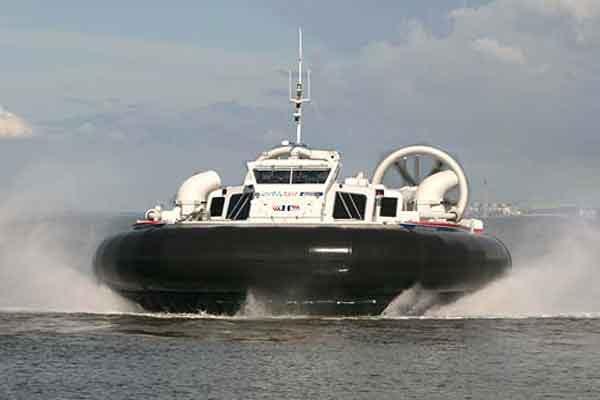 ВМФ США заменит старую версию десантного корабля на воздушной подушке