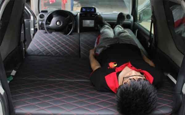 Автомобильная кровать для путешествий