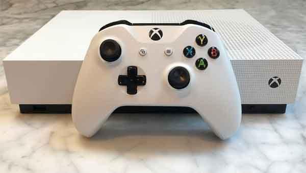 Google Stadia и один из прямых конкурентов Xbox One