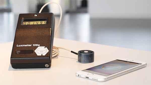 Светодиодные светильники и калибровка освещения через смартфон