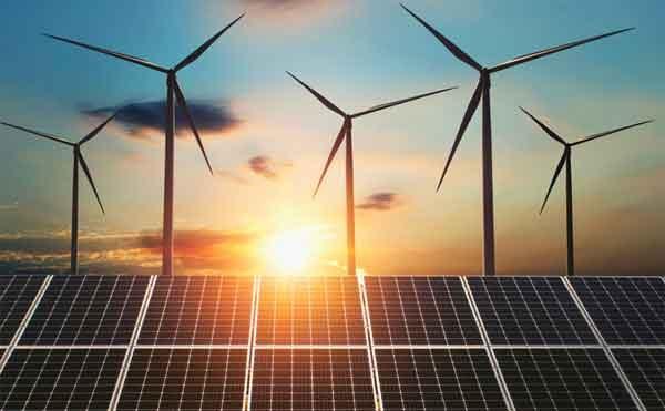 Ветряная турбина дома и солнечные батареи - сочетание двух технологий