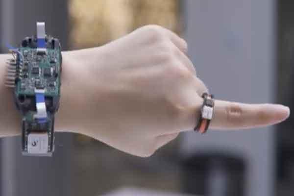 AuraRing – контроллер движений пальцев рук человека создали учёные