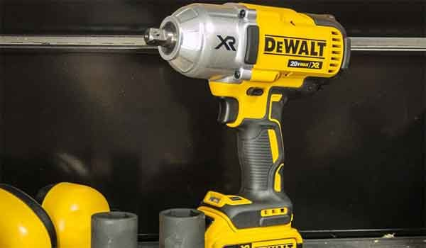 Ударный гайковёрт ТОП-5: модель DeWalt 20V Max XR Impact Wrench