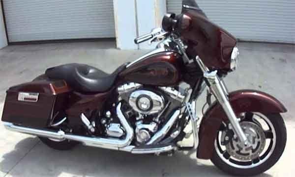 Мотоциклы: модель Harley Davidson Street Glide
