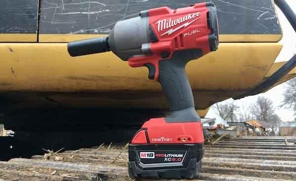 Ударный гайковёрт ТОП-5: модель Milwaukee M18 Fuel High Torque 1-2 Impact Wrench