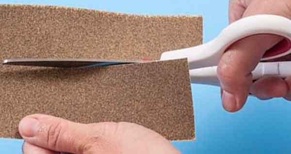 Ножницы бытовые хозяйственные - затачивание посредством резки наждачной бумаги