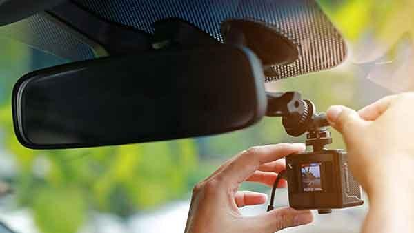 Видеорегистратор что это в легковой машине?